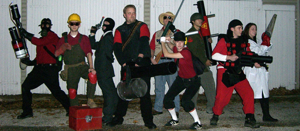Ok Guys you rule! You got everyone from the looks of it. Too bad the Heavy didnu0027t shave his head. The Pyro needed some red pants. & Mundinator: More Team Fortress 2 Costumes